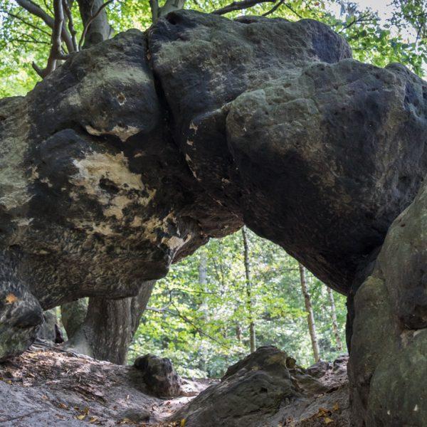 Kleines Felsentor am Oberen Terrassenweg, Affensteine