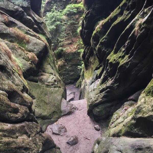 Abstieg in der Wilden Hölle, Wanderung Affensteine