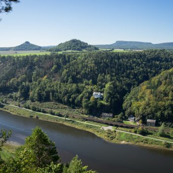 Aussicht von der Kleinen Bastei in Richtung Zirkelstein und Kaiserkrone