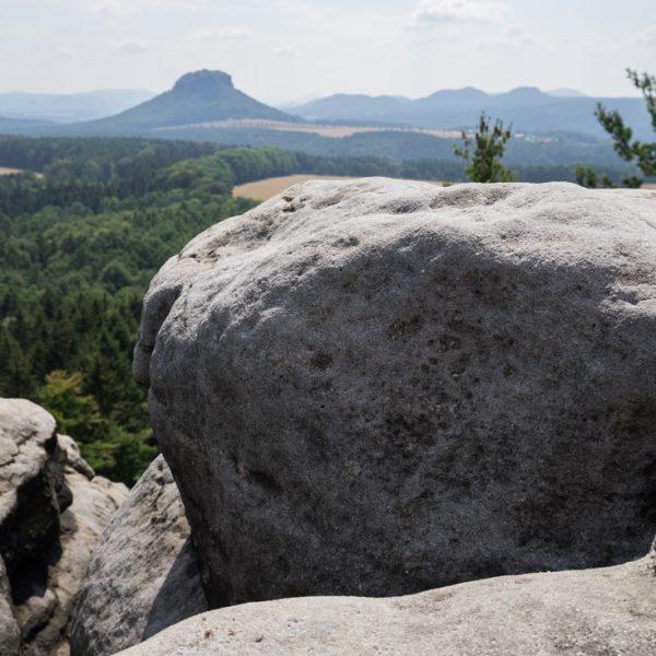 Ausblick vom Gipfel des Thürmsdorfer Stein in Richtung Lilienstein