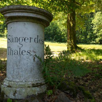 Säule im Seifersdorfer Tal, Dem Sänger des Thales