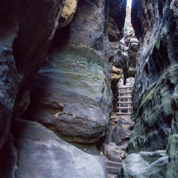 Ostaufstieg auf den Gohrisch, zwischen den Felsen