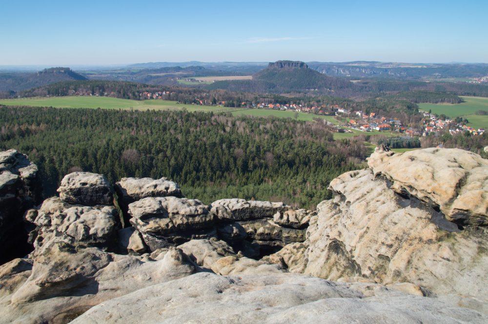 Ausblick vom Gohrisch auf Königstein und Lilienstein