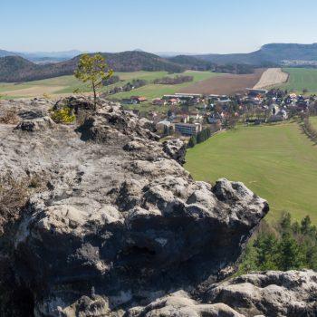 Ausblick vom Papststein in Richtung Papstdorf und Kleinhennersdorf