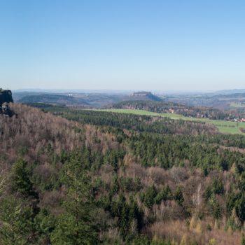 Ausblick auf den Gohrisch, die Festung Königstein und den Lilienstein