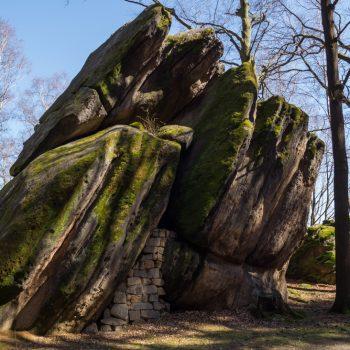 urtümlicher Fels am Fuße des Pfaffensteins, Felssturz