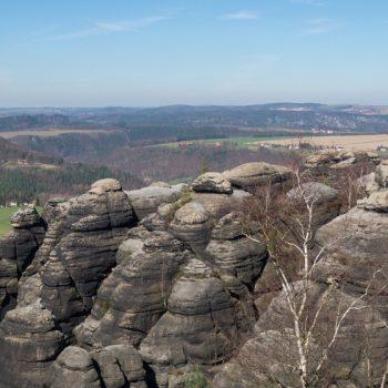 Panoramablick nach Nordwesten auf die Festung Königstein und den Lilienstein