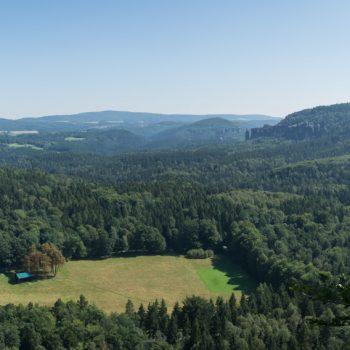 Ausblick vom Müllerstein in Richtung Affensteine und Wildwiese