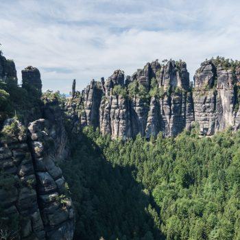 Ausblick vom Müllerstein zum Mittleren Torstein und zur Tante, Schrammsteine