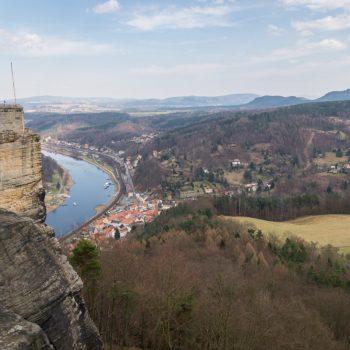 Ausblick von der Festung Königstein in Richtung Elbe und Tafelberge