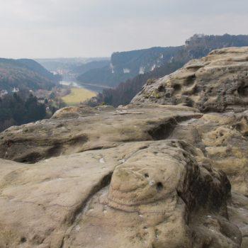 Aussicht vom Gamrig in das Elbtal, Blick auf Rathen und Wehlen