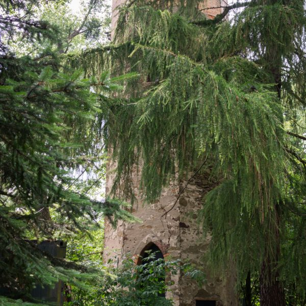 Felixturm, Wanderung im Hüttertal