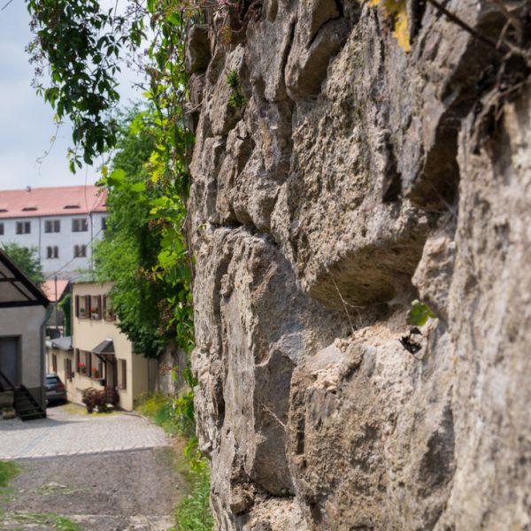 Hüttertal, Blick in Richtung Schlossmühle und Schloss Klippenstein