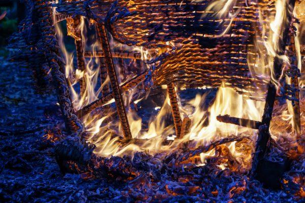 Spiel der Flammen