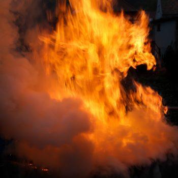 Spiel der Flammen, Feuerfigur