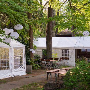Freifläche mit Zelten neben der Jägerbaude, Heidemühle