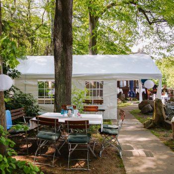 Gartenanlage mit Zelten neben der Jägerbaude, Heidemühle