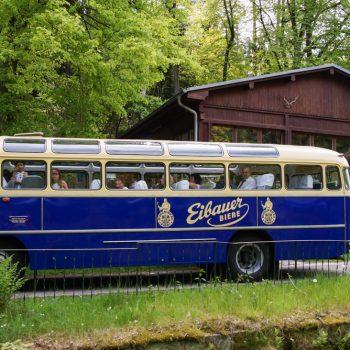 Hochzeit feiern in der Jägerbaude, Ankunft mit dem Oldtimer