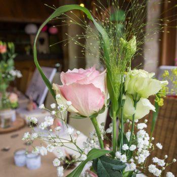 Hochzeitsdekoration, Rosenblüten