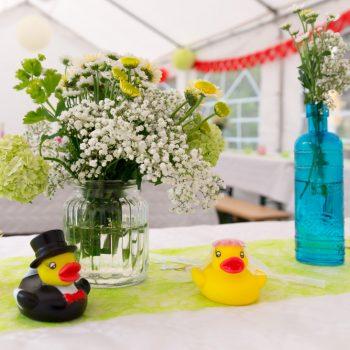 Dekoration im Zelt, rustikal Hochzeit feiern