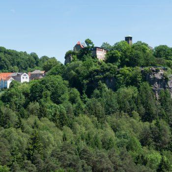 Ausblick vom Hockstein auf Hohnstein, Sächsische Schweiz