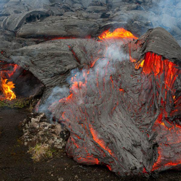 Vulkan Tolbatschik - glühende Lava