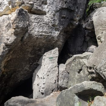 Kleinhennersdorfer Stein, Höhle