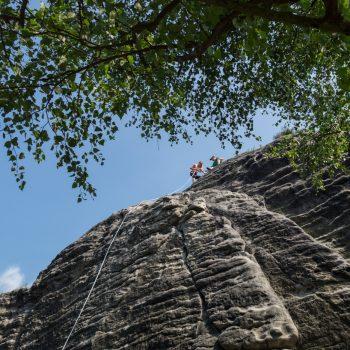 Gamrig, Klettern am Heidestein, auf dem Gipfel, Elbsandsteingebirge