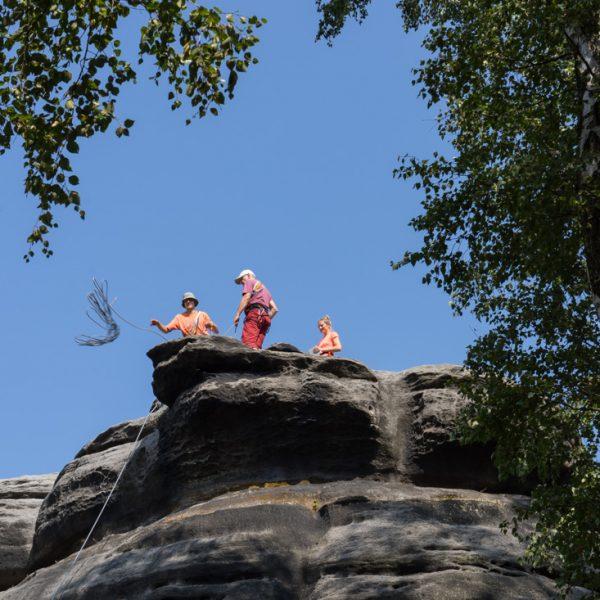 Auf dem Gipfel des Kletterfelsen Ratte, Pfaffenstein