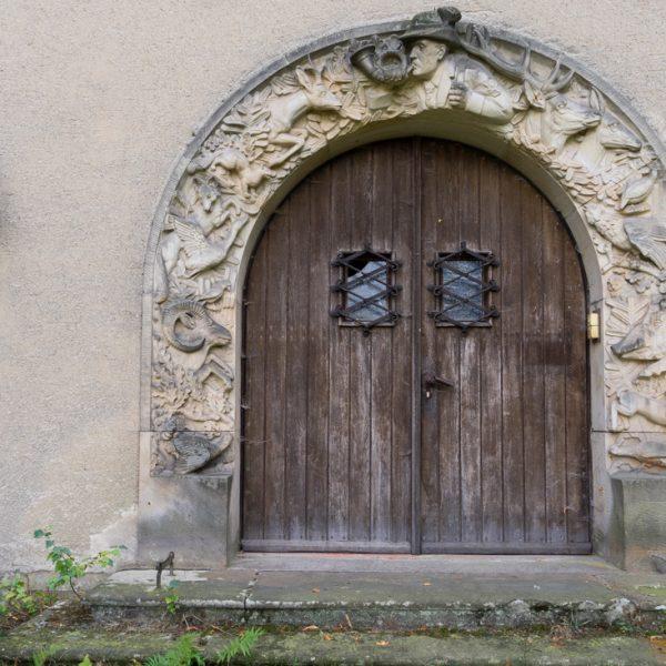 Sandstein-Relief mit Jagdmotiven, Grillenburg
