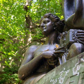 Detail des Denkmals zu Ehren von Richard Wagner im Liebethaler Grund