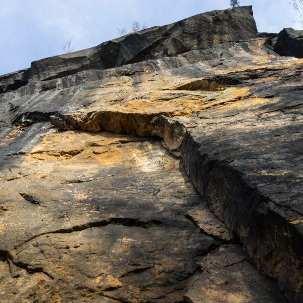Steilwand an der Südseite des Lilienstein