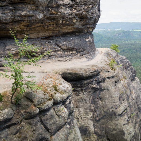 schmales Felsband am Frienstein, Blick von der Idagrotte