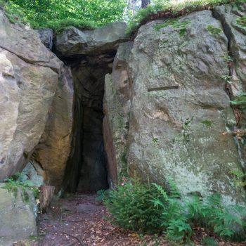 Eingang der Zwergenhöhle, nahe der Schönen Höhe
