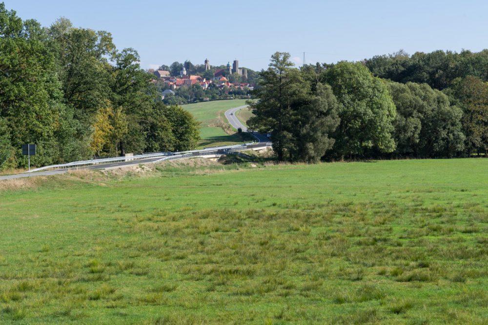an der Stolpener Straße mit Blick in Richtung Burg Stolpen