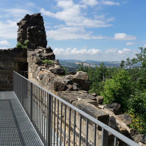 Laufsteg an der künstlichen Ruine Pillnitz