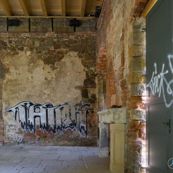 Blick in den Innenraum der künstlichen Ruine Pillnitz