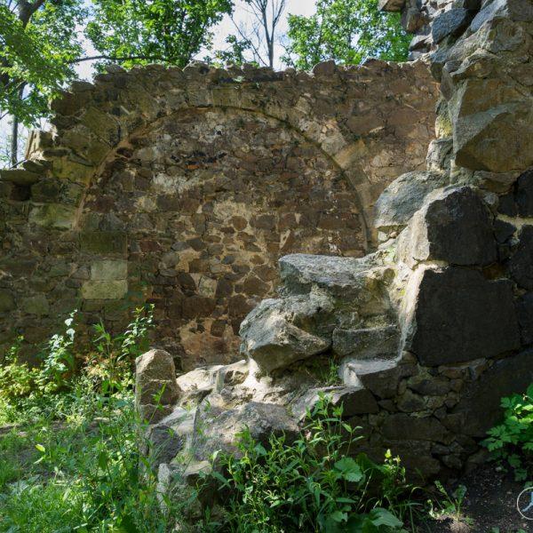 Mauern der künstlichen Ruine Pillnitz