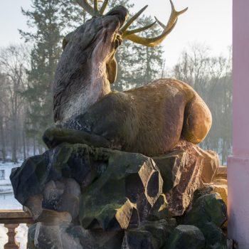 Skulptur eines Hirsches am Fasanenschlösschen, Moritzburg