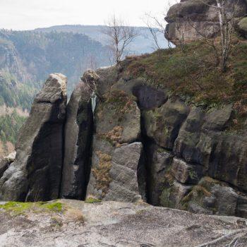 Ausblick auf das schroffe Gestein, Schrammsteine