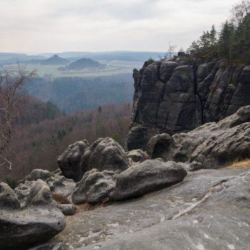 Ausblick von der Breiten Kluft auf Kaiserkrone und Zirkelstein