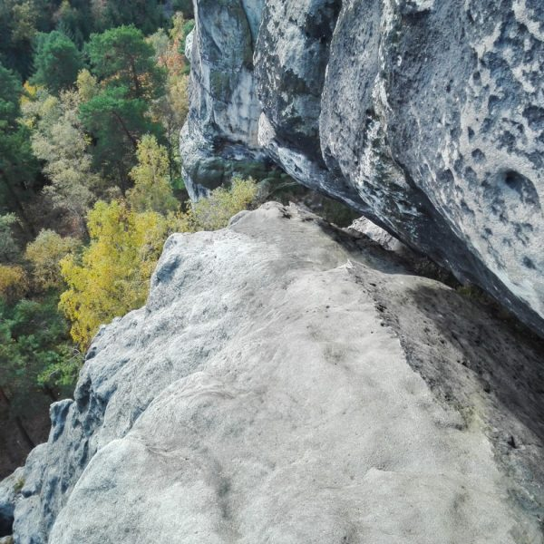 Blick in die Felsspalte am Unteren Reitgrat, Falkenstein