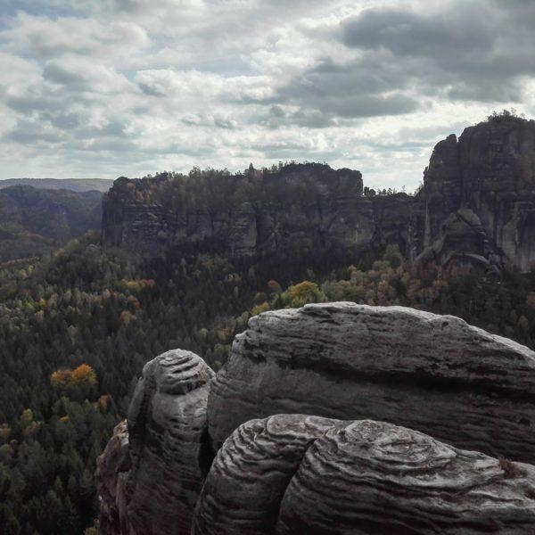 Falkenstein Gipfel, Blick zu den Schrammsteinen
