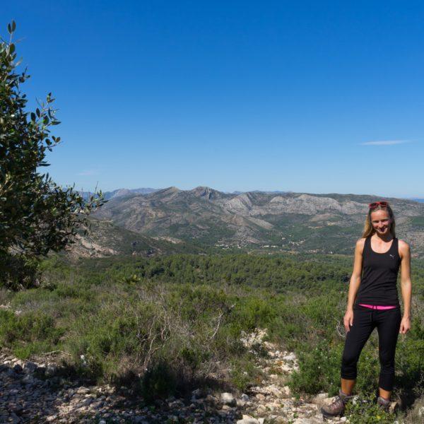 Sierra de Seldetes, auf dem Gipfel Serrellars, Wandern in Spanien