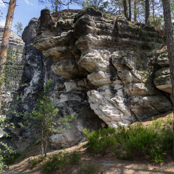 Felsen am Höhenweg Honigsteine