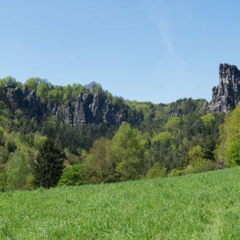 Panoramablick von der Wiese am Fuße des Türkenkopfes, Sächsische Schweiz