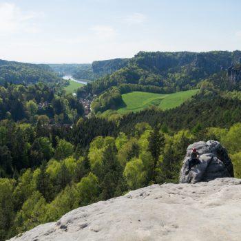 Ausblick vom Gamrig in das Elbtal und in Richtung Bastei