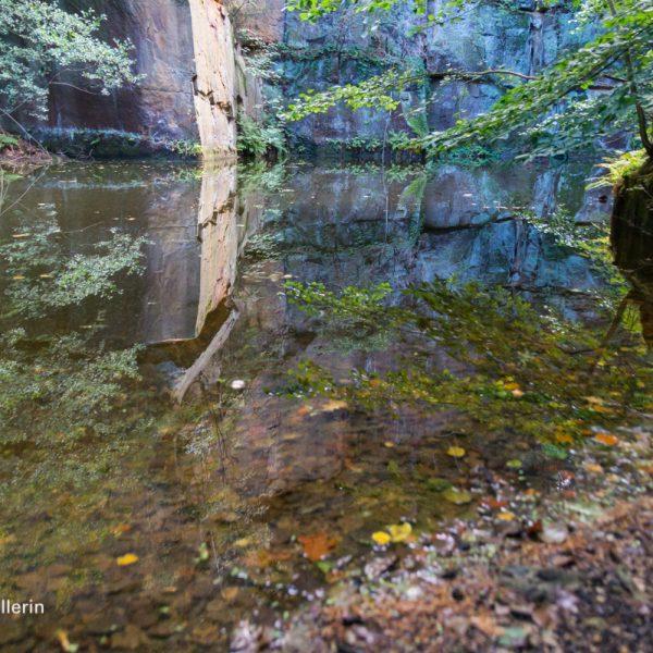 Wesenitztalweg, Spiegelung im Steinbruch