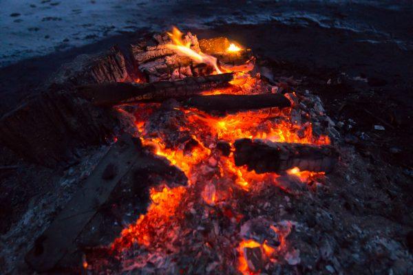 Glühendes Holz, Lagerfeuer